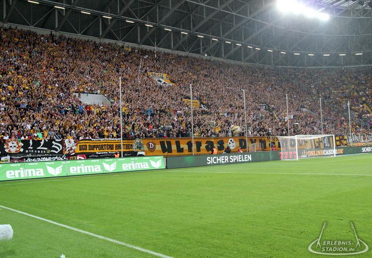 Sg Dynamo Dresden Vs Fc Bayern München 17082015 Spiele